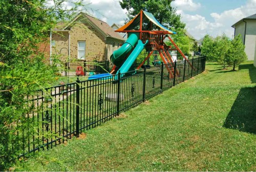 Aluminum Fence, Flat-top w/Cannonball Posts & Scrolls