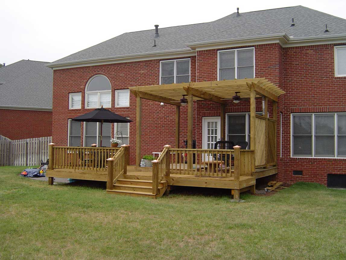 Deck & Arbor w/Herringbone Lattice