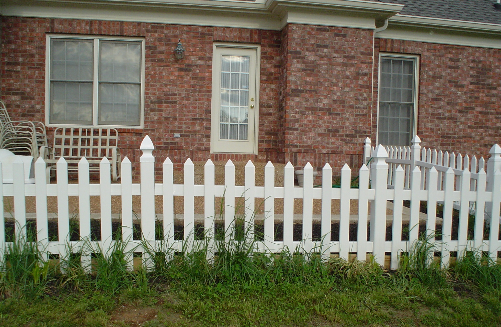 Vinyl Picket Fence, French Gothic Post